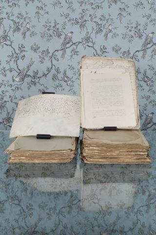Important ensemble de manuscrits anciens
