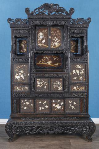 Grand cabinet