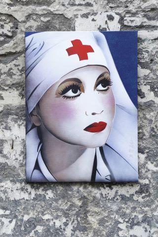 Josi, infirmière au cabaret