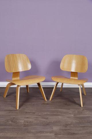 Paire de chaises modèle LCW
