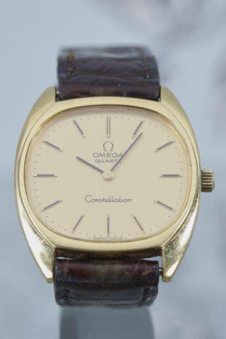 Montre bracelet d'homme, modèle Constellation