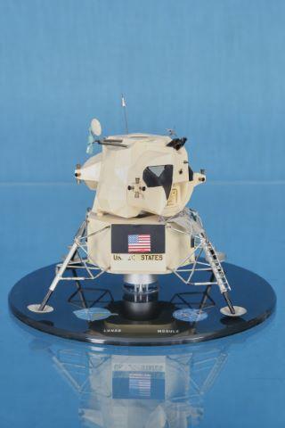 Rarissime maquette du module lunaire réalisée antérieurement à la mission Apollo 11
