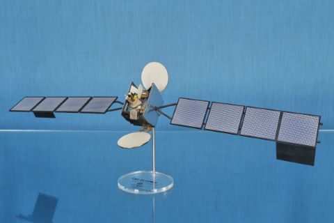 Maquette du satellite de télécommunication Telecom 2 à l'échelle 1/33e