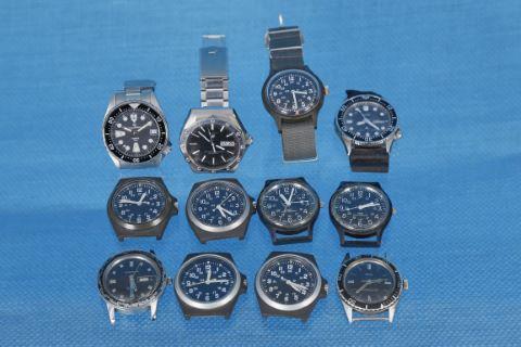 12 montres militaires