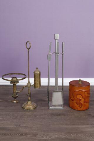 Serviteur de cheminée, lampe de bureau et lampe à huile