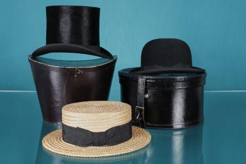 3 chapeaux (melon, haut-de-forme et canotier)
