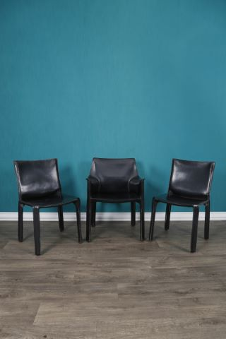 1 fauteuil 413 + 2 chaises 412 dits CAB