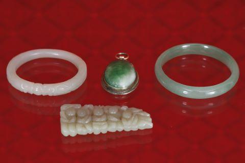 4 pièces en jade