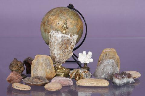 Ensemble de pierres et minéraux