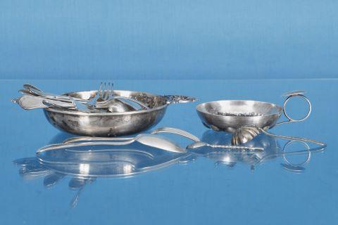 Ensemble de pièces en métal argenté