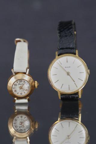 2 montres bracelet de femme
