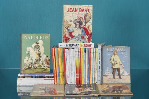 Bibliothèque d'albums de bandes dessinées et de livres pour enfants anciens [environ 60 ouvrages]