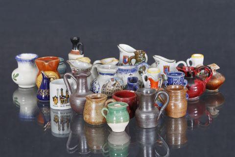 Collection de verseuses miniatures