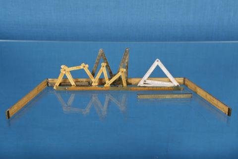 6 instruments de mesure anciens dont pieds de Roy