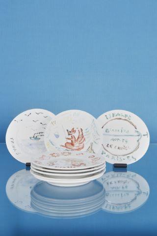 8 assiettes décorées par des artistes pour le restaurant Le Grenier à Montmartre