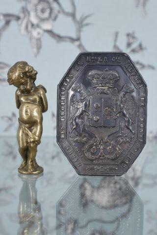 Plaque de garde-chasse octogonale des propriétés de Madame la Comtesse Alfred de Montesquiou