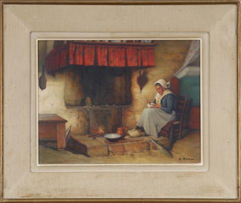 Femme assise au foyer