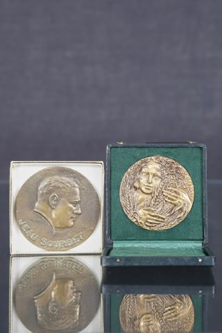 2 médailles