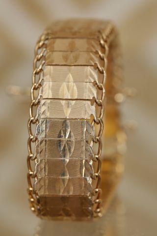 Bracelet ruban articulé
