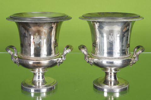 Paire d'urnes