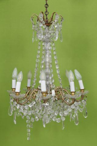 Lustre à 8 bras de lumière de style Louis XV