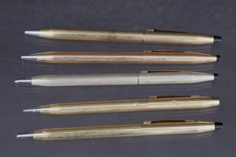 5 stylos à bille Classic century