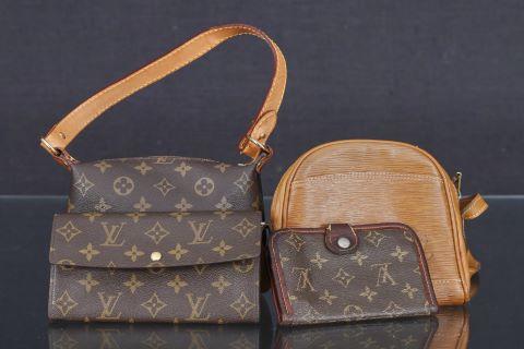 1 sac à main et 1 portefeuille