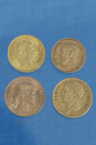 4 pièces en or 18K (750‰)