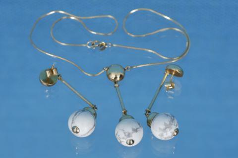 Parure comprenant 1 collier et 2 pendants d'oreilles