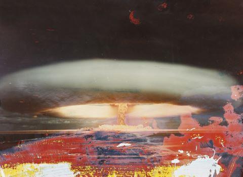 Essais nucléaires à Mururoa [3 clichés]