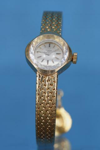 Montre bracelet de femme