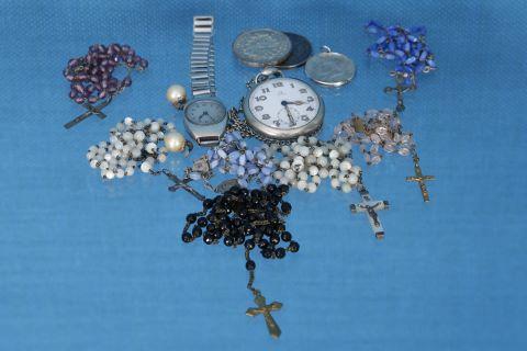 Ensemble de bijoux et montres