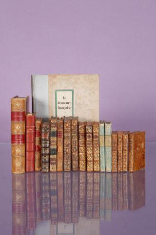 18 ouvrages du XVIIIe au XXe siècle dont mode