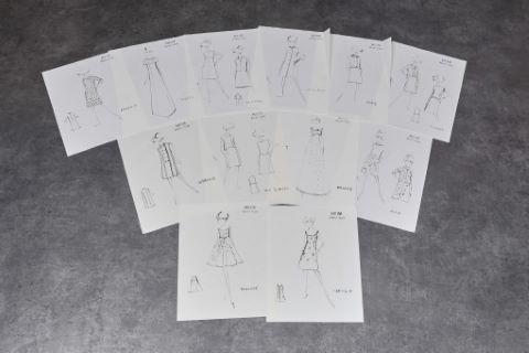 """[Mode] Rare ensemble de 45 dessins - Collections """"Jeunes filles"""", """"Plein soleil"""", """"Actualités"""""""