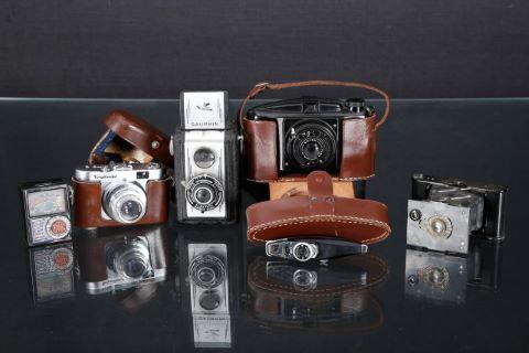 Ensemble de 5 appareils photographiques argentiques