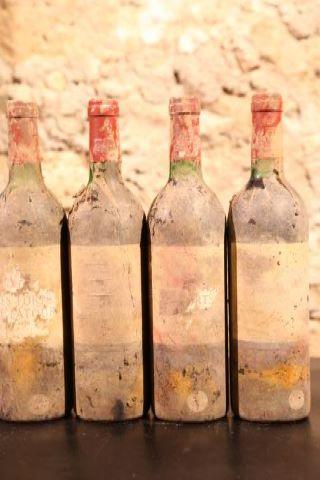4 bouteilles 1976