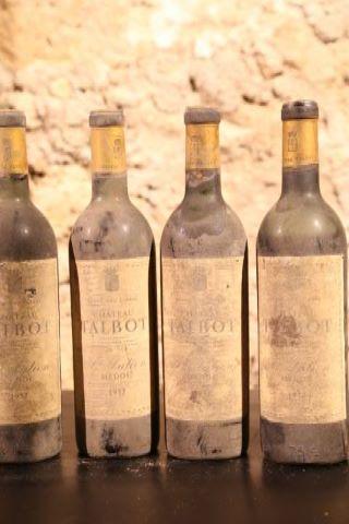 4 bouteilles 1957