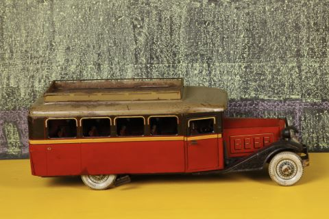Autocar Renault 204C
