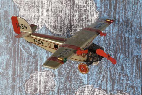 Avion monoplan trimoteur n°1424