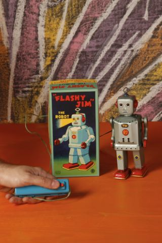Flashy Jim the robot R7