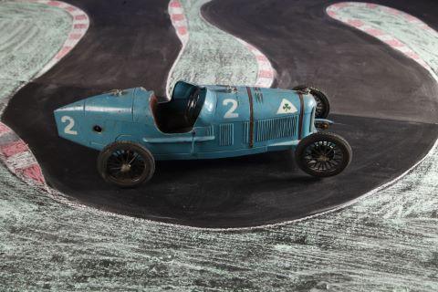 Voiture de course Alfa Roméo P2 n°2
