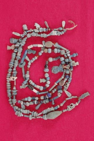 2 colliers de momie