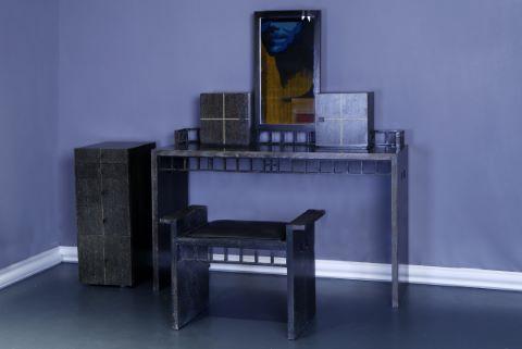 Coiffeuse, meuble de rangement, et siège assortis r