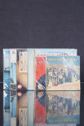 Ensemble de 8 vinyles