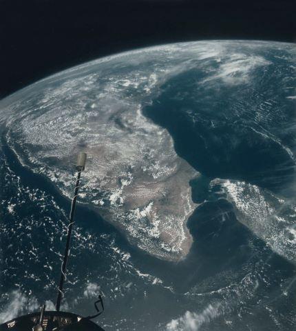 Très belle vue sur l'Inde et Ceylan à 410 miles d'altitude
