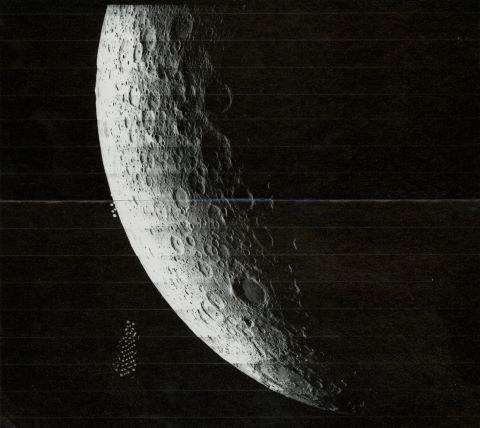 Quartier de Lune. De gauche à droite, les cratères Schrödinger, Zeeman, Fizeau et Buffon