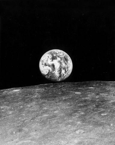 Lever de Terre depuis l'orbite lunaire