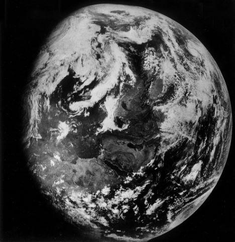 La Terre depuis l'orbite lunaire