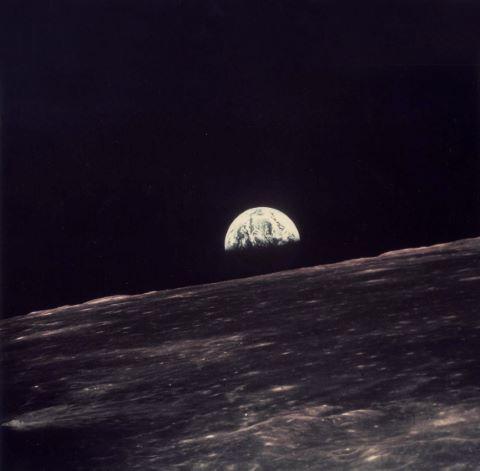 Lever de Terre depuis le module lunaire