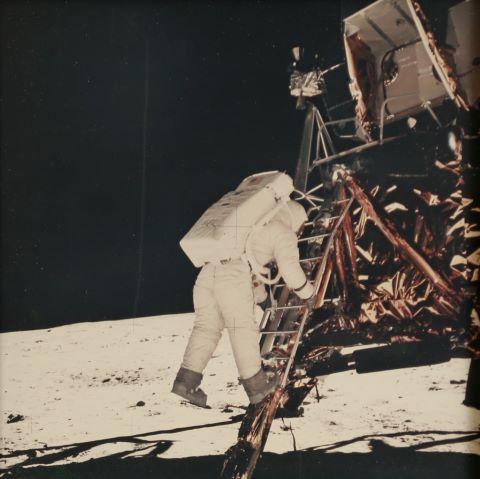 Buzz Aldrin s'apprête à marcher sur la Lune, Apollo 11